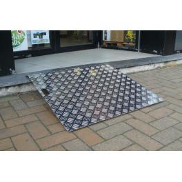 Rampe d'accès aluminium MANKOU - idéale usage intensif