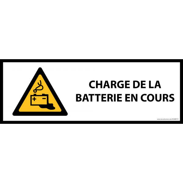 Panneau de danger ISO EN 7010 - Charge en cours de la batterie - W026
