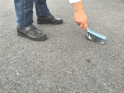 Nettoyez et dépoussiérez le sol