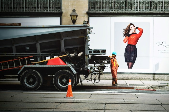 Cône de signalisation délimitant un chantier