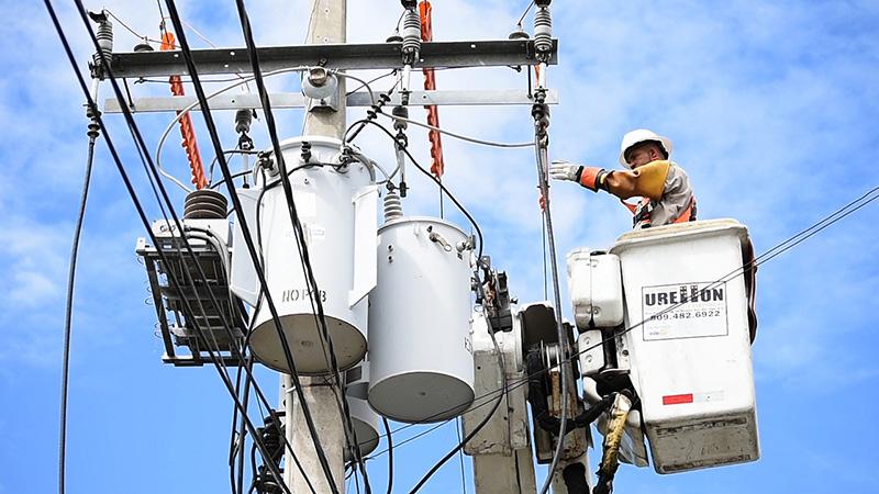 electricien travail en hauteur